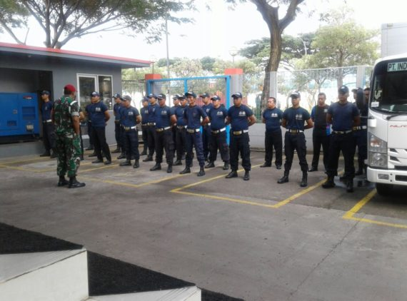 Kegiatan pembinaan Security di PT IPL Marunda Center oleh Korlap Security